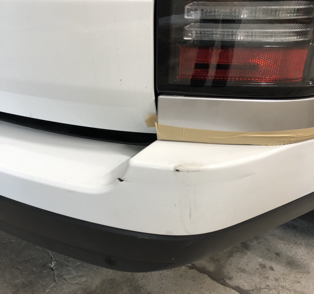 Ремонт и покраска заднего бампера Range Rover